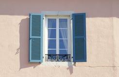 blått fönster royaltyfri fotografi