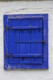 blått fönster royaltyfri foto