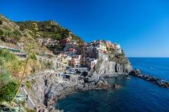 Blått för hav för stad för natur för Cinque terremanarloa trevliga Royaltyfri Fotografi