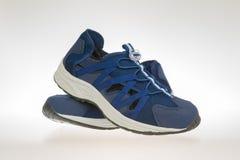 Blått för skor för man` s Royaltyfria Foton