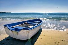 blått fartyg Arkivfoto
