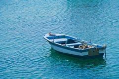 Blått fartyg för grek Royaltyfria Foton