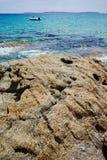 Blått gör klar havsvatten Le Lavandou - semesterdestination i franc royaltyfria bilder