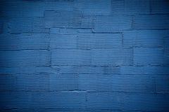 Blått gjord randig väggtexturbakgrund Royaltyfri Fotografi