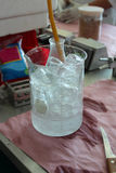 blått glass glasföremållaboratorium för bakgrund Royaltyfri Foto