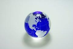 blått glass jordklot Royaltyfria Bilder