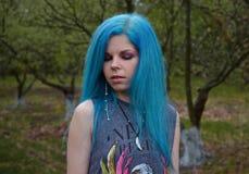 Blått-haired flicka Arkivfoto