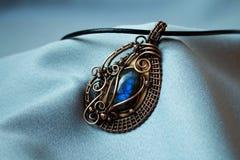 blått halsband Royaltyfri Foto