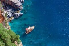 Blått hav, Alanya/Turkiet Loppbegreppsfoto royaltyfri foto