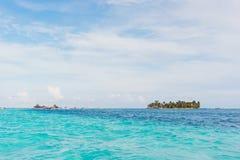 Blått hav av den San Andrés ön royaltyfri fotografi