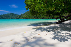 Blått hav i Thailand Kho Surin Royaltyfri Bild
