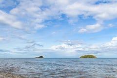 Blått hav med vågor och blå himmel för frikänd med cloud& x28; hav våg, hav Royaltyfria Bilder