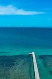 Blått hav och blå himmel Royaltyfri Fotografi