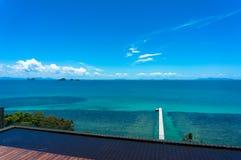 Blått hav och blå himmel Royaltyfri Foto