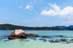 BLÅTT HAV på den Lipe ön, Thailand Arkivbilder