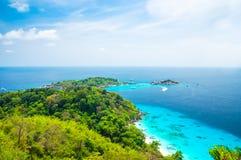 Blått hav på den Similan ön Thailand Arkivfoton