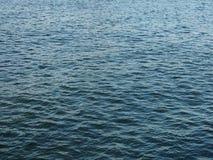 blått havsvatten Arkivfoto