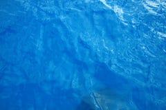 blått klart vatten Royaltyfri Bild