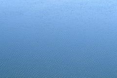 blått krusningsvatten för bakgrund horisontalbakgrund Royaltyfri Fotografi