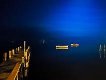 Blått Lake Arkivbild