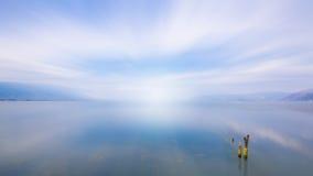 blått lakevatten Fotografering för Bildbyråer
