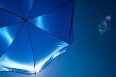 blått paraply Royaltyfri Fotografi