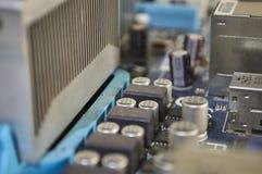 Blått PCmoderkort, datordel arkivbilder