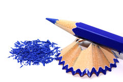 Blått ritar med dess shavings Arkivbilder