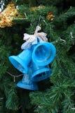 Blått sätter en klocka på jul Royaltyfri Fotografi