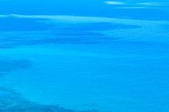 blått sardinia hav Royaltyfria Foton