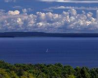 blått seglingvatten Royaltyfri Foto