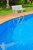 Blått simbassängslut upp royaltyfri fotografi