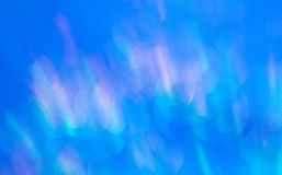 Blått sken i strålarna av solen royaltyfri bild