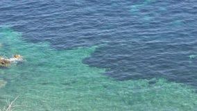 Blått slätar havet