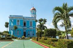 Blått slotthotell - Cienfuegos, Kuba Arkivfoton