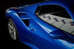 Blått slut för Ferrari 488 spindel upp Arkivfoto