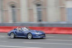 Blått sportcar Arkivbild