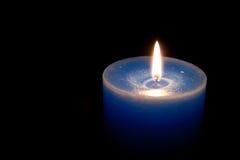 Blått stearinljus Fotografering för Bildbyråer