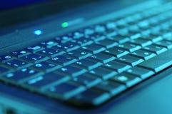 blått tangentbord royaltyfria bilder