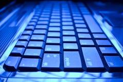 blått tangentbord arkivbild