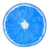 Blått tonad bakgrundsmodell av huggen av frukt: apelsin Royaltyfri Bild