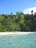 blått tropiskt vatten för strand royaltyfri fotografi