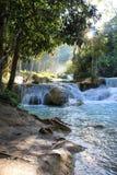 Blått vatten Laos för härliga vattenfall arkivbilder