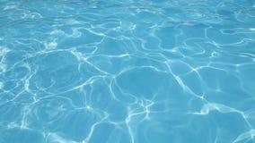 Blått yttersidahavsvatten med reflexion av solljus lager videofilmer