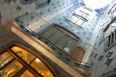Blåtttegelplattor i nterior av casaen Batllo Royaltyfri Bild