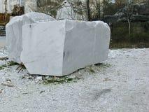 Blöcke des weißen Marmors Stockbild