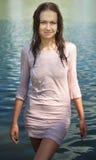 Blöta klänningen Fotografering för Bildbyråer