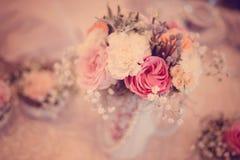 Blüht Dekoration für Tabelle Lizenzfreie Stockbilder