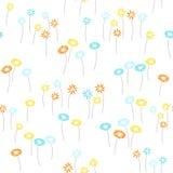 Blüht nahtlosen Hintergrund Lizenzfreies Stockfoto
