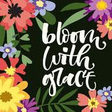 Blüte mit Anmuthandgezogenem modernem Kalligraphie-Motivationszitat im bunten Blumen- und Blattrahmen der einfachen Blüte stock abbildung